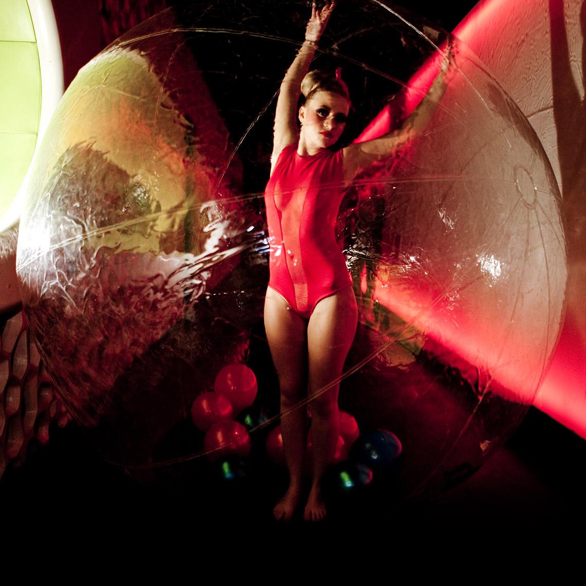 ENVY Project - Red Monday - Bonus Image
